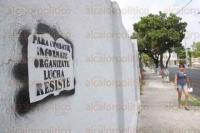 Veracruz, Ver., 28 de agosto de 2015.- Una serie de grafitis aparecieron en las calles de la colonia Flores Mag�n, de esta ciudad. Las pintas se encuentran en las calles de Barrag�n, entre G�mez Far�as y 16 de Septiembre, e invitan a la resistencia civil.