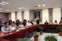Xalapa, Ver., 28 de agosto de 2015.- Diversos diputados estuvieron presentes en la Firma del Contrato Colectivo de Trabajo en el Congreso del Estado.
