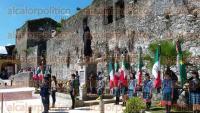 Orizaba, Ver., 31 de agosto de 2015.- Este lunes se ensay� el evento de la develaci�n de la estatua de Porfirio D�az, que ser� la ma�ana de este martes en la Plaza Bicentenario. El alcalde Juan Manuel Diez supervis� todos los preparativos.