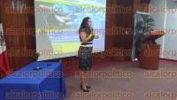 Veracruz, Ver., 1 de septiembre de 2015.- La presidenta del Colegio de Abogados, Minerva Cobos Lucero, imparti� la conferencia magistral