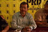 Xalapa, Ver., 31 de agosto de 2015.- El presidente del PRD municipal, Manuel Bernal Rivera, en conferencia de prensa, destac� las faltas del Presidente de la Rep�blica a 3 a�os de estar en el gobierno.