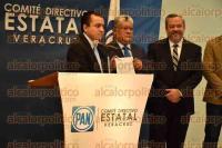 Xalapa, Ver., 1 de septiembre de 2015.- El presidente del PAN en Veracruz, Jos� de Jes�s Mancha, en conferencia de prensa.