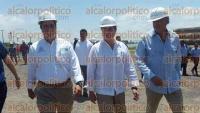 Coatzacoalcos, Ver., 1 de septiembre de 2015.- El secretario de Infraestructura y Obra P�blica, Tom�s Ruiz, recorri� la obra del T�nel Sumergido al mediod�a de este martes.