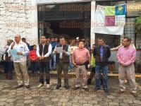 Xalapa, Ver., 2 de septiembre de 2015.- El alcalde Am�rico Z��iga entreg� est�mulos para personal de Limpia P�blica en las instalaciones de la dependencia.
