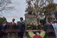 Xalapa, Ver., 2 de septiembre de 2015.- El secretario de Seguridad P�blica, Arturo Berm�dez Zurita, acompa�ado por sus m�s cercanos colaboradores y directores de �reas de SSP, efectu� guardia de honor ante el monumento al padre de la patria, Miguel Hidalgo y Costilla.