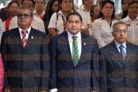 Xalapa, Ver., 2 de septiembre de 2015.- Rinde guardia de honor Sindicato de Empleados Democr�ticos Independientes del Poder Ejecutivo del Estado de Veracruz (SEDIPEV) encabezada por Jos� Antonio Rodr�guez Mendoza, secretario general.