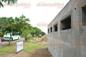 Veracruz, Ver., 5 de octubre de 2015.- Supervisan construcci�n del m�dulo de Seguridad P�blica Municipal en la unidad habitacional �Las Brisas�; en total se instalar�n 7 m�dulos en diversos puntos del Puerto.