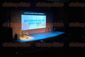 Xalapa Ver., 7 de octubre de 2015.- Evento dirigido a j�venes xalape�as de 14 a 17 a�os, que organiza el Centro de Formaci�n Integral de la Mujer, (CEFIM), iniciando con la conferencia