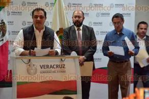 Xalapa, Ver., 7 de octubre de 2015.- El alcalde Am�rico Z��iga Mart�nez, junto a autoridades del COVEICyDET y la direcci�n de Educaci�n Tecnol�gica de la SEV, anunciaron el