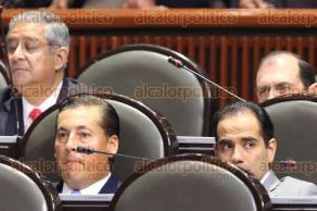 M�xico, DF., 8 de octubre de 2015.- En la C�mara de Diputados, los legisladores abordaron diversos temas, sin registrarse confrontaciones. Los legisladores de Veracruz, presentes en la sesi�n en el Palacio Legislativo de San L�zaro.