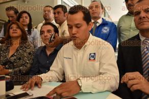 Xalapa, Ver., 8 de octubre de 2015.- En conferencia de prensa el dirigente municipal de Partido Acci�n Nacional, Fern�ndez M�rquez, dijo que comenzar�n brigadas a partir de este s�bado en la colonia Revoluci�n con el fin de ayudar a personas con escasos recursos.