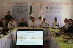 Orizaba, Ver., 8 de octubre de 2015.- El gobernador Javier Duarte encabeza la tarde de este jueves la reuni�n del grupo Coordinaci�n Veracruz, donde se analiza la situaci�n que guarda la entidad en materia de seguridad y los resultados alcanzados.