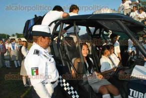 Coatzacoalcos, Ver., 12 de octubre de 2015.- En las Jornadas de prevenci�n al delito se pretende tener un di�logo permanente con autoridades escolares para conocer sus problemas y prevenirlos.