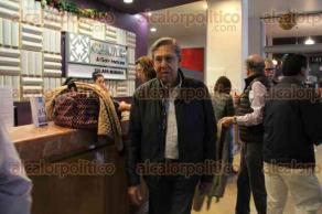 Xalapa, Ver., 27 de noviembre de 2015.- Llega a la capital del Estado Cuauht�moc C�rdenas. El exl�der del Partido de la Revoluci�n Democr�tica impartir� una conferencia magistral en el Casino Xalape�o, a las 17:00 horas.