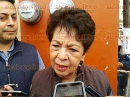 Xalapa, Ver., 28 de noviembre de 2015.- La maestra X�chitl Adela Osorio, titular de la SEV, recorri� los filtros implementados por la SSP en las inmediaciones del Complejo Omega. Hasta este momento toda est� tranquilo.
