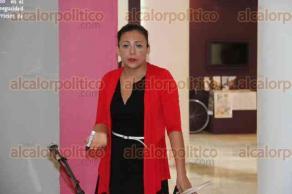 Xalapa, Ver., 27 de noviembre de 2015.- Como parte del programa �Empresas culturales y creativas�, se imparti� el taller sobre responsabilidad fiscal en la Pinacoteca �Diego Rivera�.
