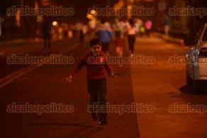 Xalapa, Ver., 28 de noviembre de 2015.- Con buena participaci�n se efectu� la Carrera Glow Run 5K Xalapa la noche de este s�bado.