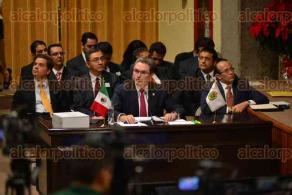 Xalapa, Ver., 30 de noviembre de 2015.- Toca el turno a Tom�s Ruiz, titular de la SIOP, comparecer ante el Congreso del Estado como parte de la glosa del V Informe de labores del Gobierno estatal.