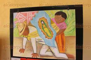 Orizaba, Ver., 1 de diciembre de 2015.- Para conmemorar el natalicio del muralista Diego Rivera, estudiantes de la Universidad del Valle de Orizaba presentan 25 trabajos representando el trabajo del autor y la iconograf�a de la Virgen de Guadalupe.