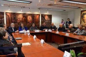 Xalapa, Ver., 5 de febrero de 2016.- En conferencia de prensa, la rectora de la Universidad Veracruzana, Sara Ladr�n de Guevara, habl� acerca de la situaci�n financiera actual en dicha instituci�n.