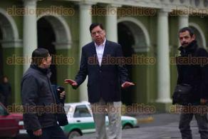 Xalapa, Ver., 6 de febrero de 2016.- Armando M�ndez de la Luz, aspirante a la candidatura al gobierno de Veracruz, graba otro �spot� en el centro de la capital del Estado.