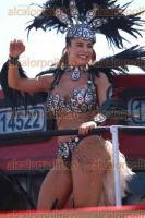 Veracruz, Ver., 7 de febrero de 2016.- Aunque con menos afluencia que otros a�os, el Carnaval de Veracruz se desarroll� con buen ambiente de los asistentes. Comparsas, carros aleg�ricos y algunos famosos desfilaron por el bulevar.