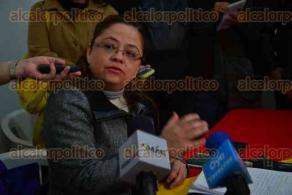 Xalapa, Ver., 9 de febrero de 2016.- Conferencia de prensa del Partido del Trabajo que ofrecen Daniela Griego Ceballos, Rafael Carvajal y Ulises Ponce.