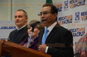 Xalapa, Ver., 9 de febrero de 2016.- Lauro Hugo L�pez Zumaya, en conferencia de prensa, dijo que el OPLE debe respetar los lineamientos y apegarse a la ley para la designaci�n del Secretario Ejecutivo del Organismo P�blico Electoral.