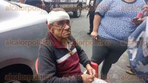 Veracruz, Ver., 9 de febrero de 2016.- Belgio Amaya Riso fue herido a cachazos por los asaltantes; tuvo que ser trasladado a un hospital debido a la seriedad de sus heridos; adelant� que en breve interpondr� una denuncia ante las autoridades ministeriales.