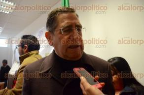 Xalapa, Ver., 10 de febrero de 2016.- El titular de la SEDARPA, Ram�n Ferrari Pardi�o, entreg� apoyos a beneficiarios del programa