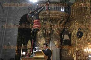 Ciudad de M�xico., 10 de febrero de 2016.- Fieles cat�licos acuden a la Catedral Metropolitana para recibir la ceniza en el marco del Mi�rcoles de Ceniza.