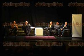 Xalapa, Ver., 10 de febrero de 2016.- Luis Enrique Rodr�guez Villalvazo present� su libro