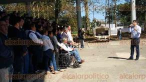 Banderilla, Ver., 11 de febrero de 2016.- luego de solicitar licencia al cargo de presidente municipal, Esteban Acosta Lagunes se despidi� de parte de su personal, ya que buscar� la candidatura a la diputaci�n por AVE por el distrito de Coatepec.