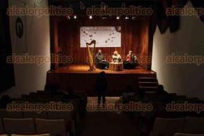 Xalapa, Ver., 11 de febrero de 2016.- Presentaci�n del libro