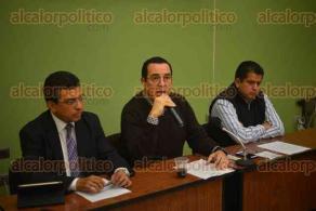 Xalapa, Ver., 12 de febrero de 2016.- Conferencia de prensa del presidente de la C�mara de Comercio, Ernesto P�rez Astorga, quien habl� de las afectaciones a los locales establecidos, que son causadas por el comercio informal y que fomenta el mismo Ayuntamiento.