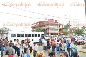 Coatzacoalcos, Ver., 14 de febrero de 2016.- Reuni�n de delegados del PRI de los distritos 29 y 30 en donde H�ctor Yunes anunci� que Marcelo Montiel ser� su coordinador de campa�a en el Sur.