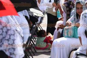 Veracruz, Ver., 14 de febrero de 2016.- Integrantes de la Iglesia La Luz del Mundo se reunieron en la explanada del Malec�n de Veracruz para participar en los bautismos masivos para reafirmar su fe en Dios.