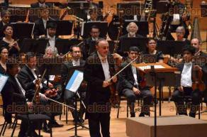 Xalapa, Ver., 29 de abril de 2016.- Bajo la direcci�n del director titular, Lanfranco Marcelletti, la Orquesta Sinfonica de Xalapa se present� con