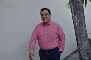 Xalapa, Ver., 1 de mayo de 2016.- A puerta cerrada sin acceso a prensa el gobernador Javier Duarte de Ochoa se reuni� en Casa Veracruz con l�deres sindicales de todas las �reas, a donde llegaron secretarios de despacho.