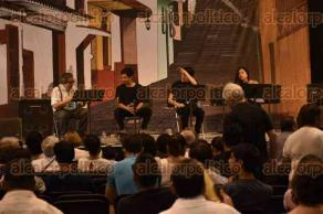 Xalapa, Ver., 1 de mayo de 2016.- Homenaje al escritor y poeta Eraclio Zepeda, con la participaci�n de Germ�n Mart�nez y alumnos de la Facultad de Teatro en el Complejo Deportivo Omega.