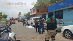 Coatzacoalcos, Ver., 4 de mayo de 2016.- Cerca de las 13:30 horas, dos personas fueron asesinadas afuera de un prestigiado colegio en este municipio; en el lugar se presentaron elementos de la Fuerza Civil.