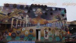Xalapa, Ver., 5 de mayo de 2016.- Locatarios del J�uregui est�n de fiesta, pues celebran 57 a�os de la inauguraci�n del mercado, constituido as� despu�s de la rehabilitaci�n del inmueble que antes era conocido como Plaza del Rey.