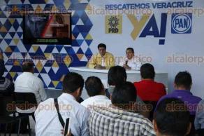 Veracruz, Ver., 5 de mayo de 2016.- Los dirigentes estatales del PAN y PRD, Jos� de Jes�s Mancha y Rogelio Franco, ofrecieron una rueda de prensa para presentar una serie de audios que presuntamente involucran a funcionarios del Gobierno Estatal en el desv�o de recursos para la campa�a de H�ctor Yunes.