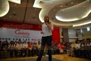 Xalapa, Ver., 5 de mayo de 2016.- La diputada federal y exgobernadora de Yucat�n, Ivonne Ortega, acompa�� a la candidata a diputada, Corintia Cruz, en un acto de reuni�n con mujeres donde las invit� a votar este 5 de junio por la coalici�n �Para mejorar Veracruz�.