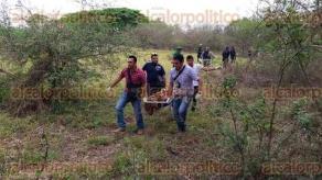 Veracruz, Ver., 5 de mayo de 2016.- Cuerpo encontrado en Santa Rita, al parecer ten�a al menos nueve d�as o m�s de estar en ese sitio, pues ten�a avanzado estado de putrefacci�n, incluso las piernas eran hueso.