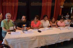 Xalapa, Ver., 24 de mayo de 2016.- S�lo la candidata del PT a la gubernatura, Alba Leonila, lleg� a la presentaci�n de la Agenda Ambiental que prepararon diversas organizaciones civiles, de los dem�s candidatos llegaron sus representantes.