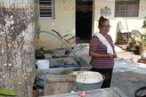 Veracruz, Ver., 24 de mayo de 2016.- Vecinos de la colonia Los R�os y Las Granjas, se muestran inconformes por trabajos inconclusos de la planta de tratamiento de aguas residuales que fue inaugurada en diciembre del a�o pasado. Piden a las autoridades celeridad en la obra.