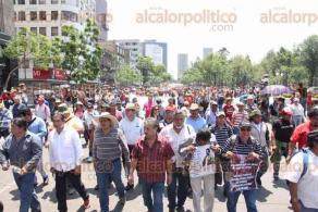 Ciudad de M�xico., 25 de mayo de 2016.- Docentes marchan en la ciudad de M�xico causando caos vial, entregar�n carta en el Senado y SEGOB para protestar contra la reforma educativa y los despidos de profesores.
