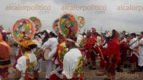 Papantla, Ver., 26 de mayo de 2016.- Durante la tradicional feria de Corpus Christi en este municipio, se celebra el D�a del volador de Papantla, por lo que se organiz� una ceremonia alusiva.