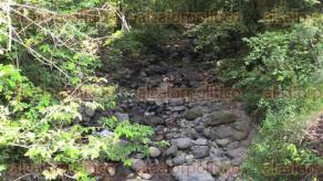 San Andr�s Tlalnelhuayocan, Ver., 26 de mayo de 2016.- En un recorrido por el r�o Pixquiac claramente se observ� que algunas partes de este afluente est�n completamente secas, otras lucen con m�s piedras que agua.